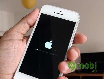 Nguon goc va cach giai quyet loi tu dong tat nguon tren iPhone 5