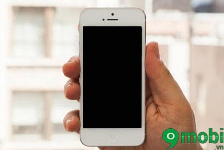 iphone khong len nguon